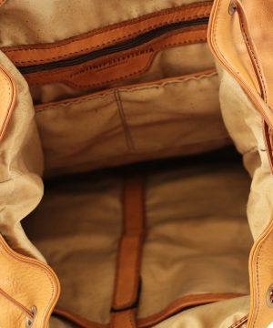 Interno zaino in pelle Fantini Pelletteria tasche interne e scompartimenti