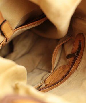 Interno zaino in pelle Fantini Pelletteria San Marino marrone chiaro