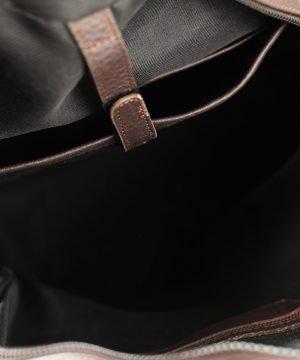 Interno zaino marrone scuro Fantini Pelletteria vera pelle Made in Italy tasche interne