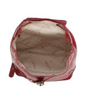 Interno compartimenti zaino pelle rosso donna tasche e cerniere interne zaino artigianale