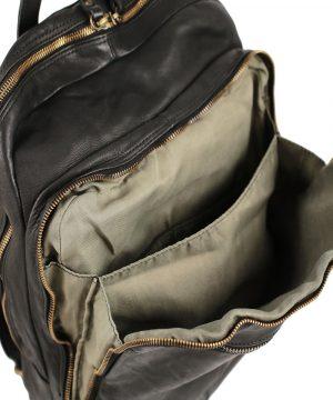 Compartimenti interni zaino in pelle, tasche interne di zainetto in pelle, chiusura con cerniera