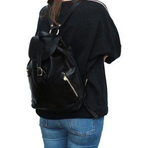 Zaino donna nero cuoio artigianale vera pelle cerniere esterne zaino donna fatto a mano