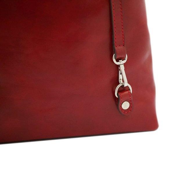 Borsa che diventa Zaino in pelle rossa. Borsa con ganci Made in Italy e artigianale.
