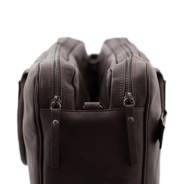 Lato borsa in pelle marrone - interno borsa in pelle marrone - interno cartella lavoro