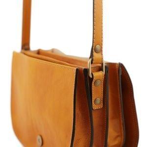 Borsa a tracolla - borsetta gialla cuoio - borsa in vera pelle artigianale - borsa con tre compartimenti