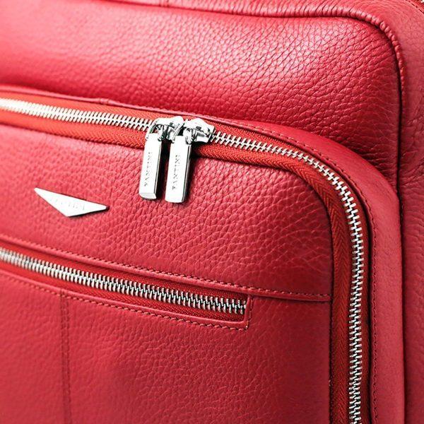 Zaino Fantini rosso in pelle artigianale e Made in Italy.