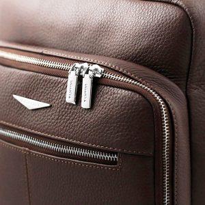 Zaino Fantini marrone in pelle artigianale e Made in Italy.